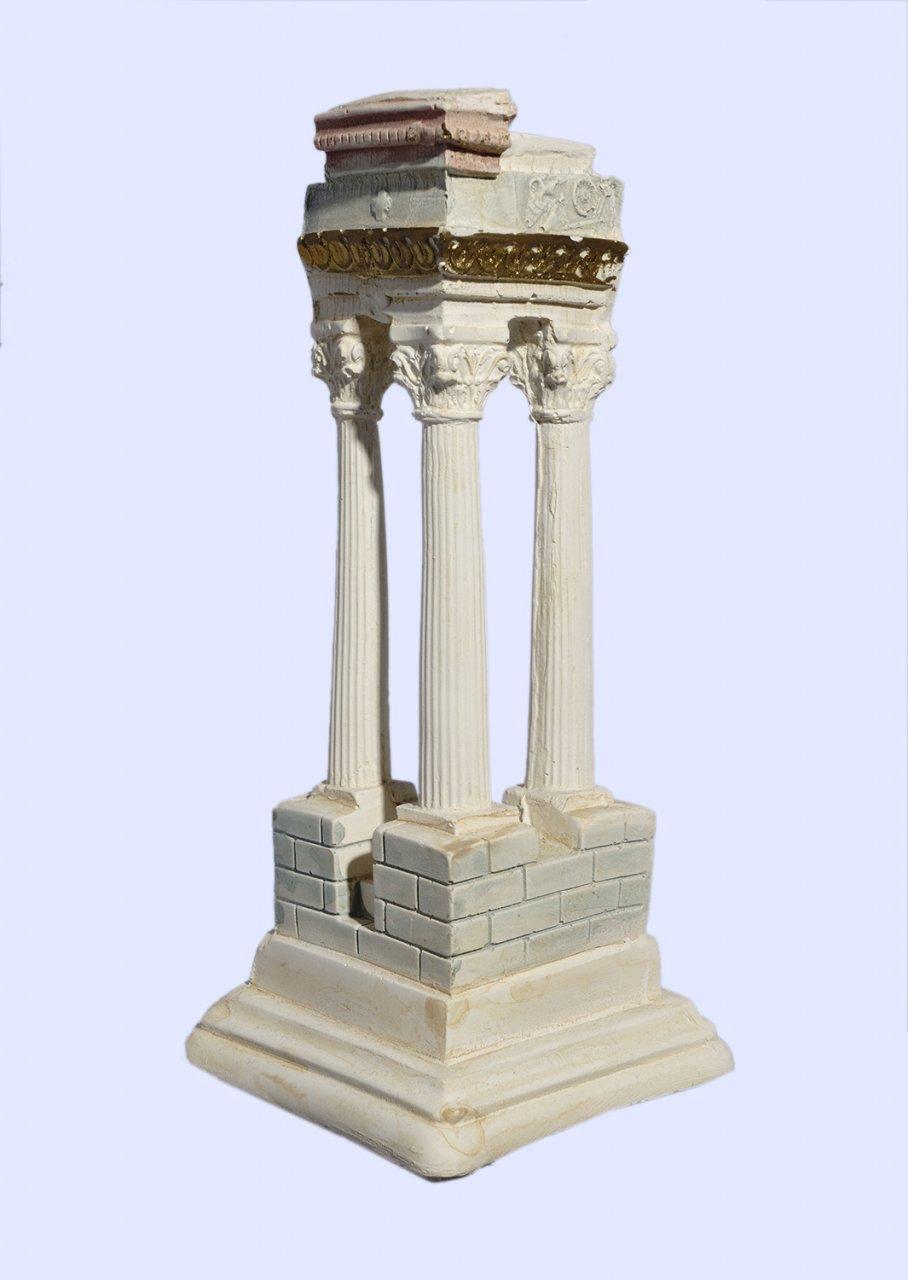 Τhree plaster corinthian columns forming a 90 degrees angle