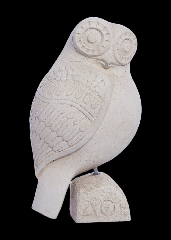 Owl plaster statue, the symbol of wisdom (No.2)