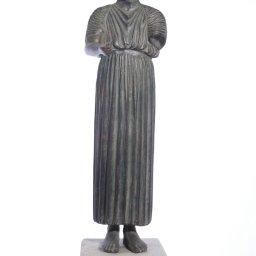 Heniokhos, The Charioteer of Delphi  green plaster statue  1