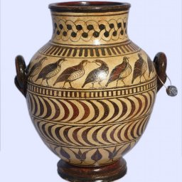 Late minoan jar decorated with birds and geometric motifs 1